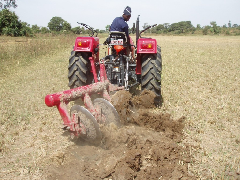 Figure 2 - Poorly set up disc plough, performing badly, operating in inappropriate conditions