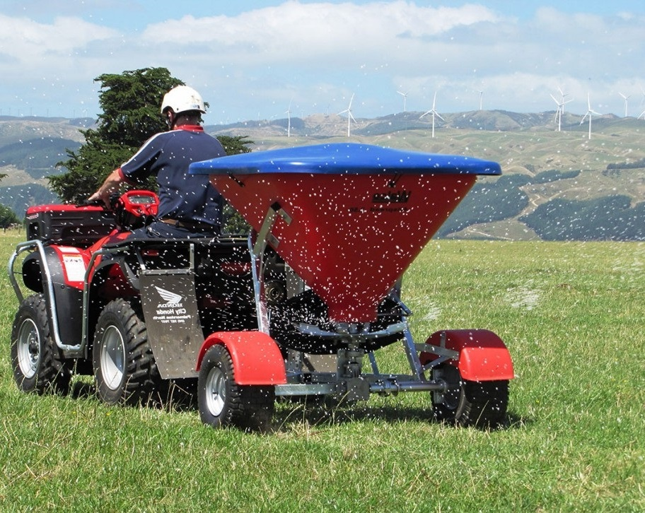 Broadcast Fertilizer Spreader