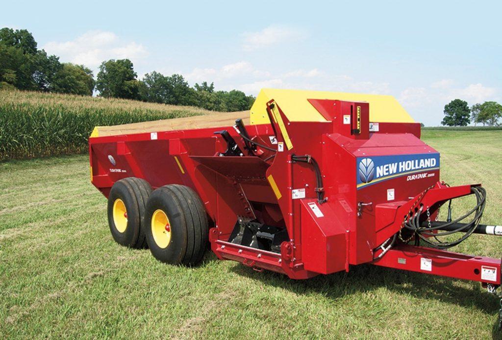 Side-delivery manure spreader